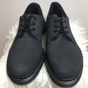 Dr. Martens 1461 Fl 3-eye shoe in black.